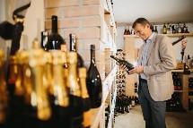 Großansicht Weinkeller im Hotel Seerose