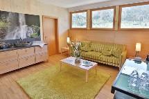 Großansicht Wohnraum mit Sofa